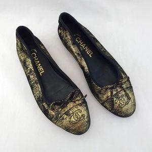 Chanel 37 Black Gold Ballet Flats Slip On Cap Toe